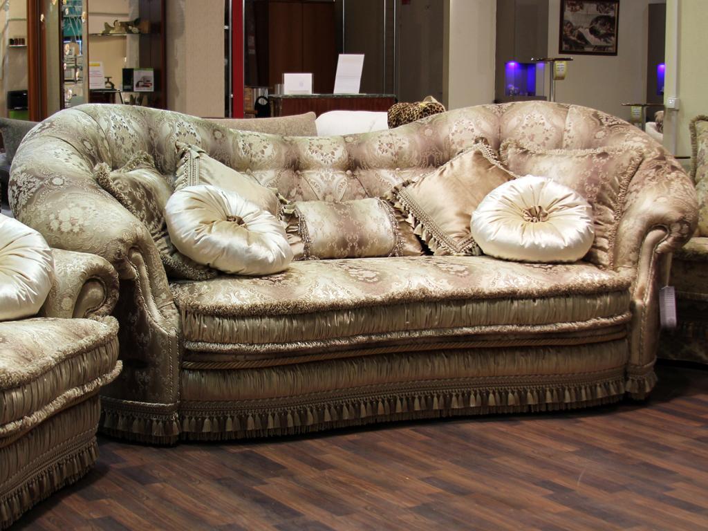 Диван-кровать, кресло и пуф Версаль