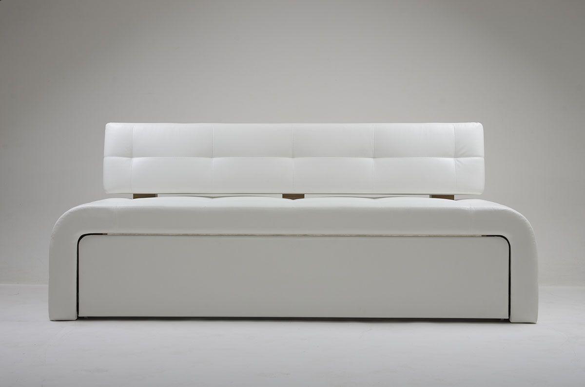 ����� White